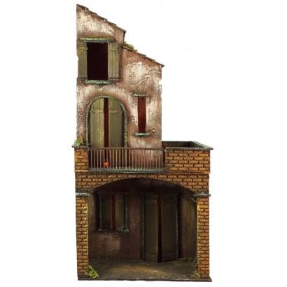 Casa grande su due livelli con luce. Cm. 30 x cm. 25 x cm. 64h