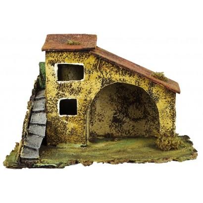 Casa stalla con scala laterale cm.24 x cm .14 x cm. 15h